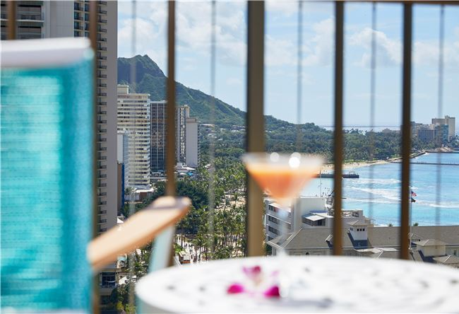 Stay Longer & Save at Waikiki Beachcomber by Outrigger Honolulu Hotel
